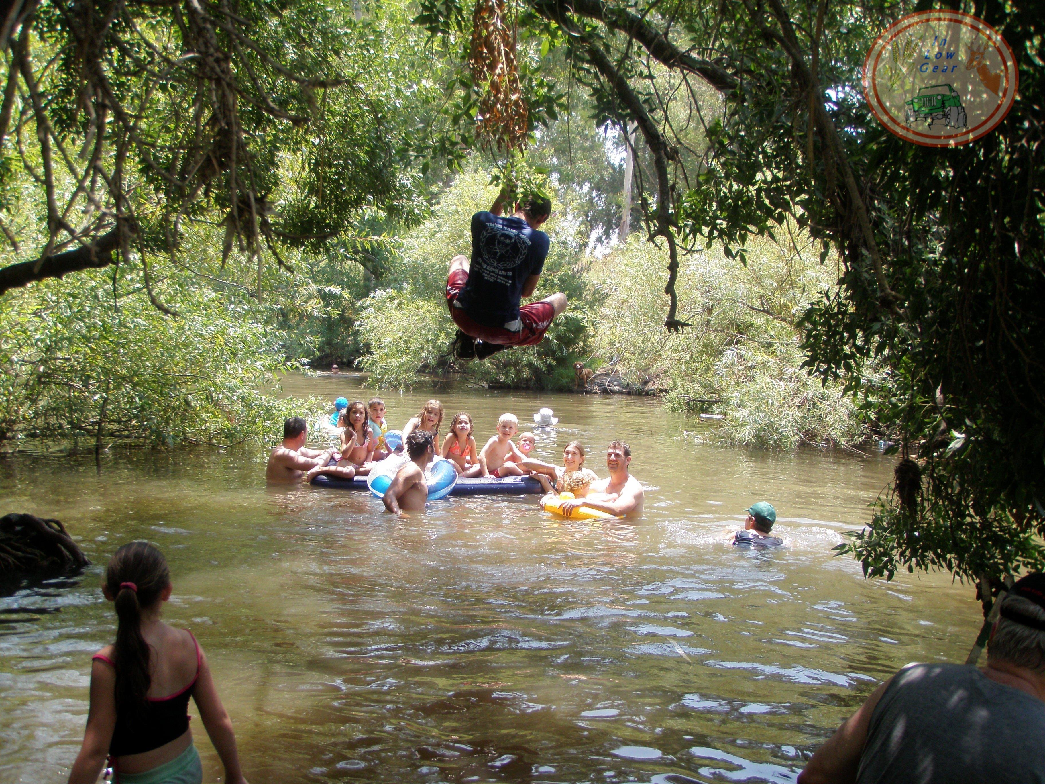 Jeep tours Golan: Zaki water track. טיולי ג'יפים גולן: מסלול הליכה בזכי